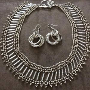 Silvertone collar necklace and earrings